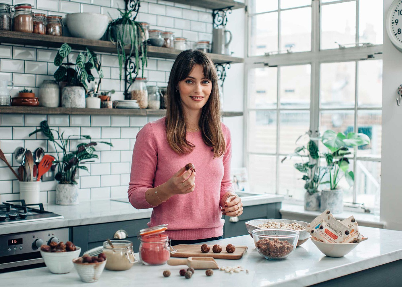 blogger, deliciously ella in kitchen